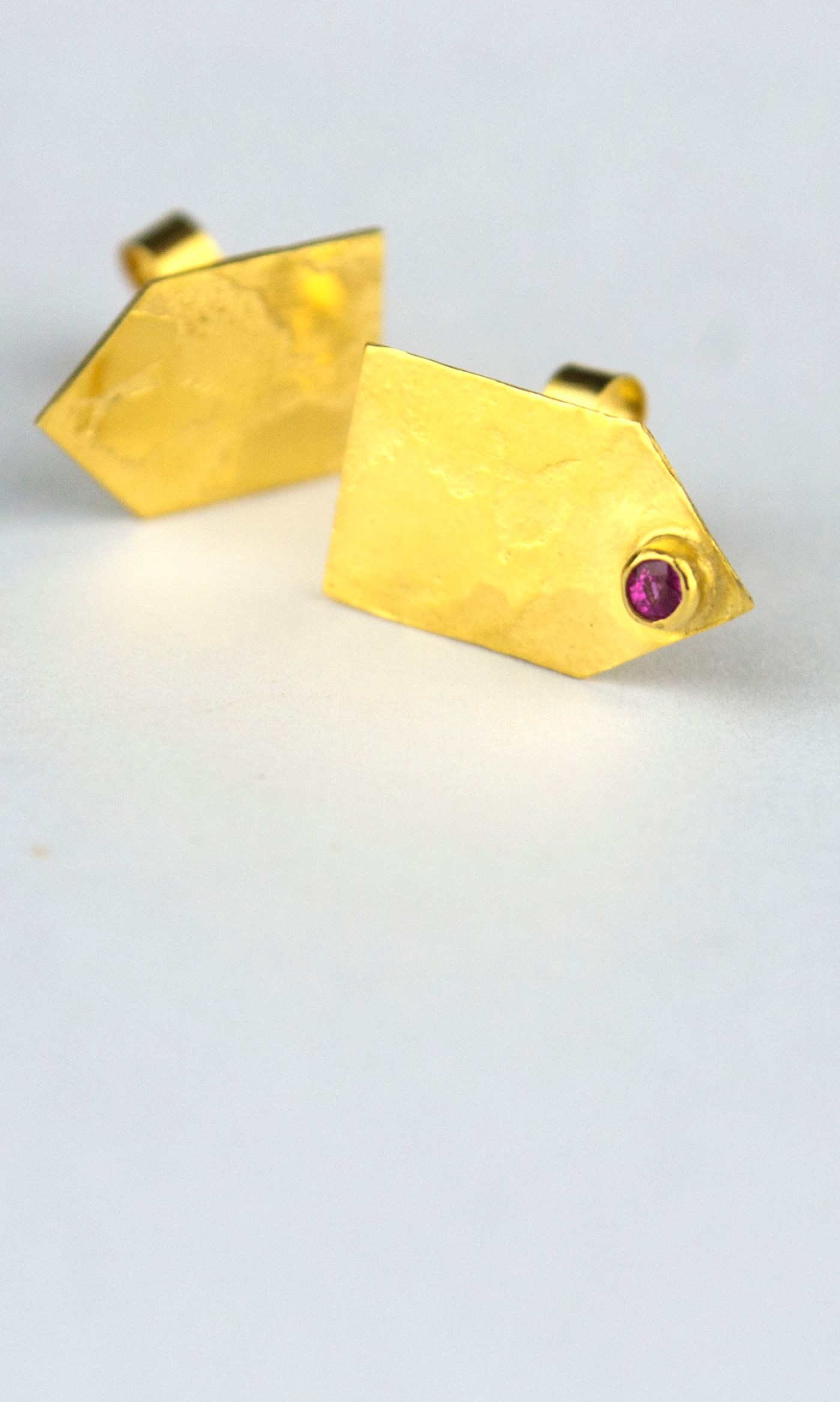 STIPPLE RUBY GOLD